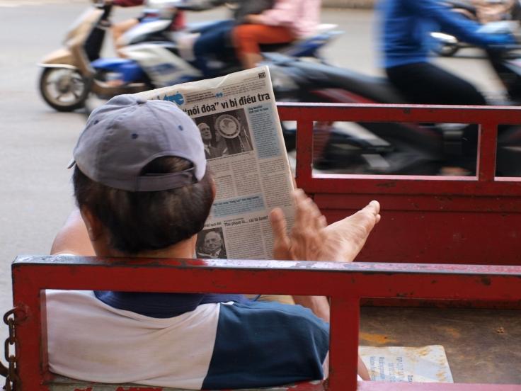 Sajgończyk z gazetą