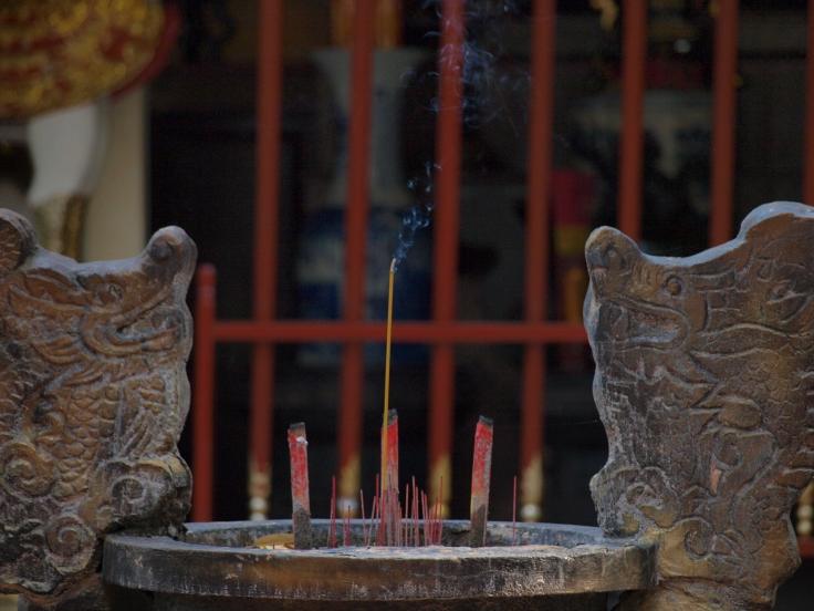 W świątyni wietnamskiej, Sajgon