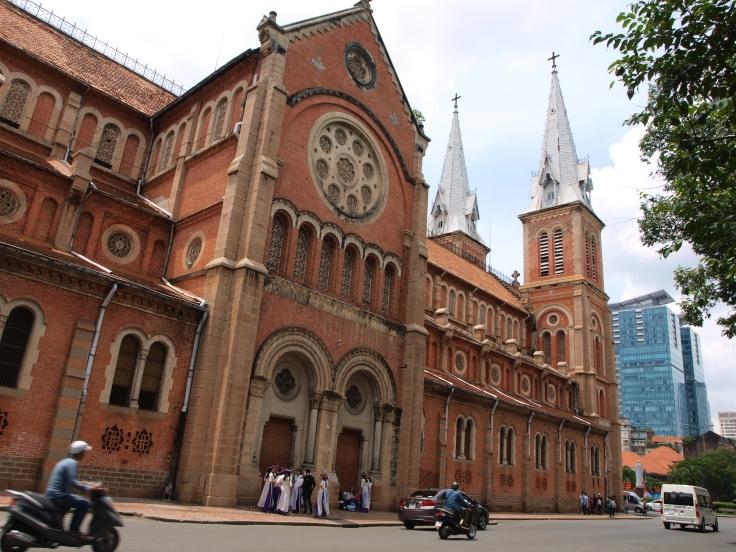 Notre Dame, Sajgon