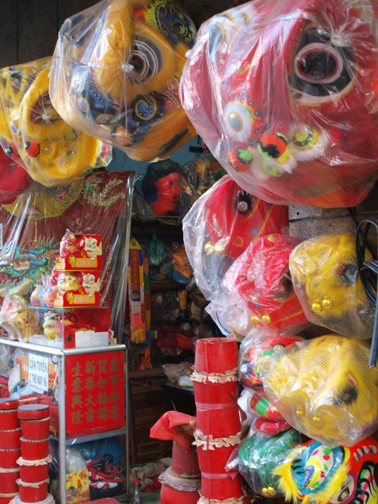 Chińskie maski w Cholonie