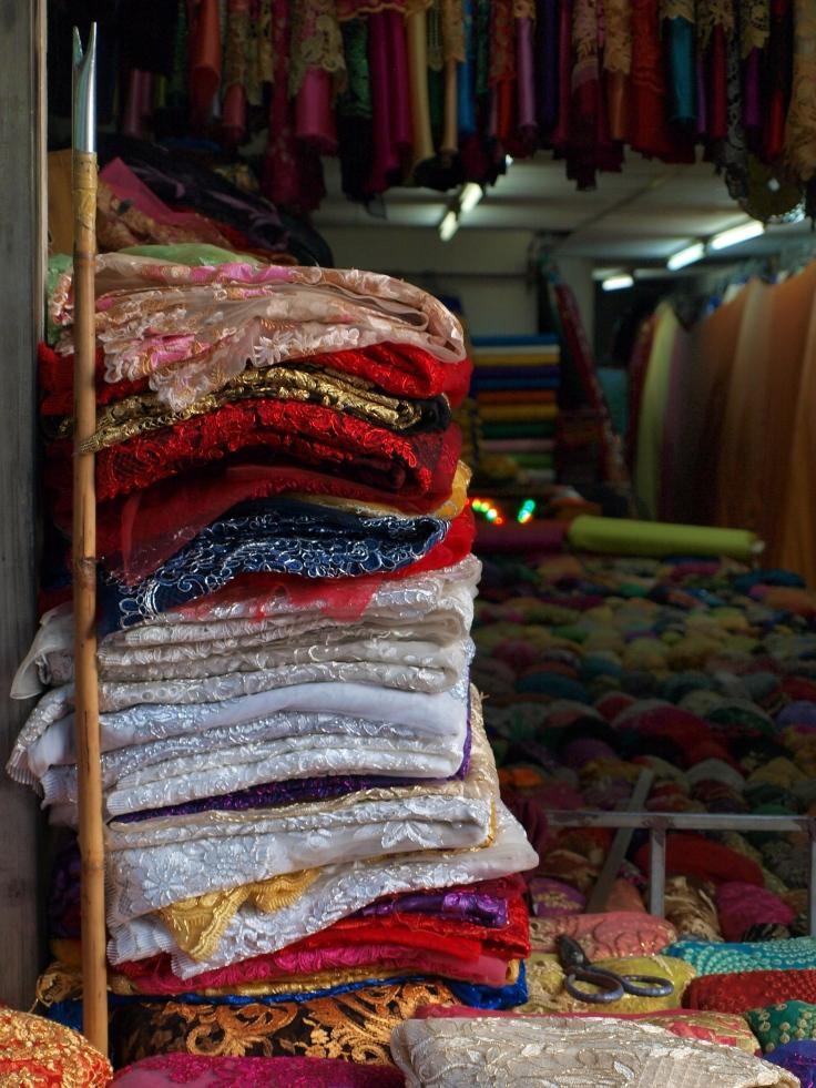 Sklep z tkaninami w Cholonie