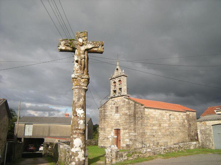 1280px-Cruceiro_e_igrexa_de_Santo_Estevo_de_Lagartóns,_A_Estrada