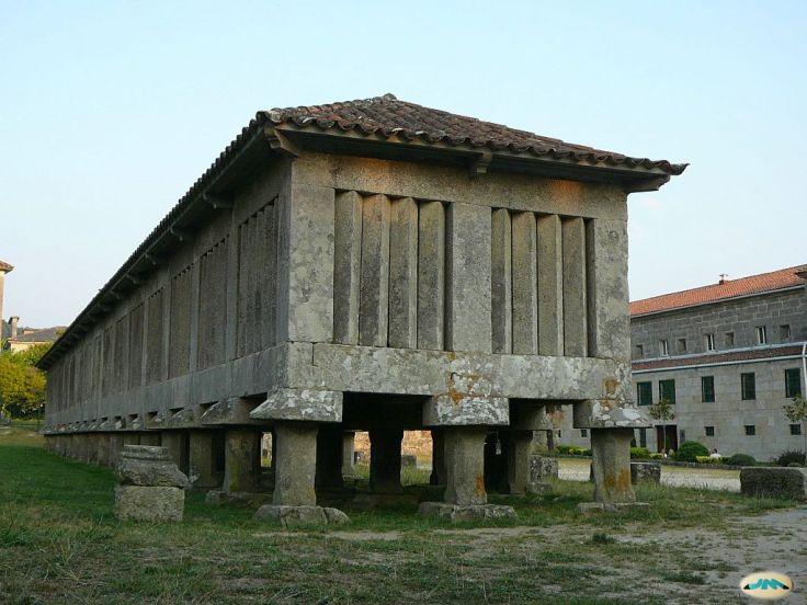 Mosteiro_de_Poio,_hórrea