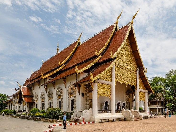 1280px-Chiang-Mai_Thailand_Wat-Chedi-Luang-01